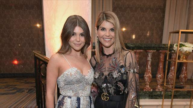 Olivia Jade and Lori Loughlin attend WCRF's 'An Unforgettable Evening' at the Beverly Wilshire Four Seasons Hotel on February 27, 2018 in Beverly Hills, California. (Photo by Charley Gallay/Getty Images for WCRF)