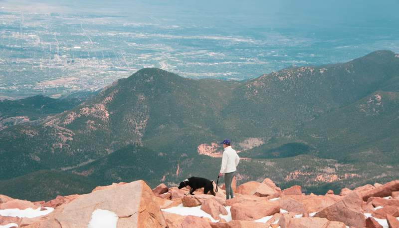 A view from the top of Pikes Peak.