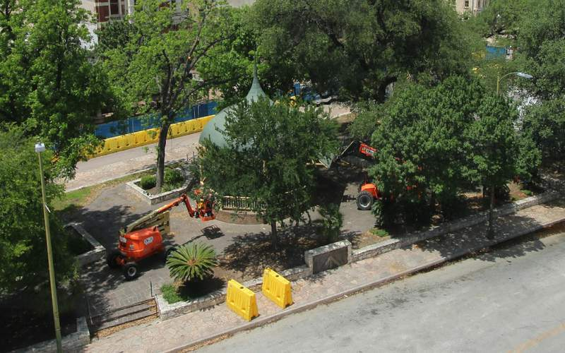 Crews will dismantle the bandstand at the Alamo Plaza this week.