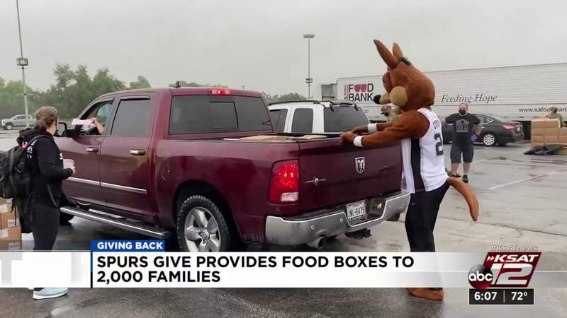 Spurs Give provides food boxes to 2,000 families