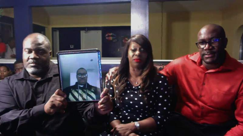The family of George Floyd -- who died after pleading that he couldn't breathe while a police officer held him down with a knee on his neck -- say they want the four Minneapolis officers involved charged with murder.