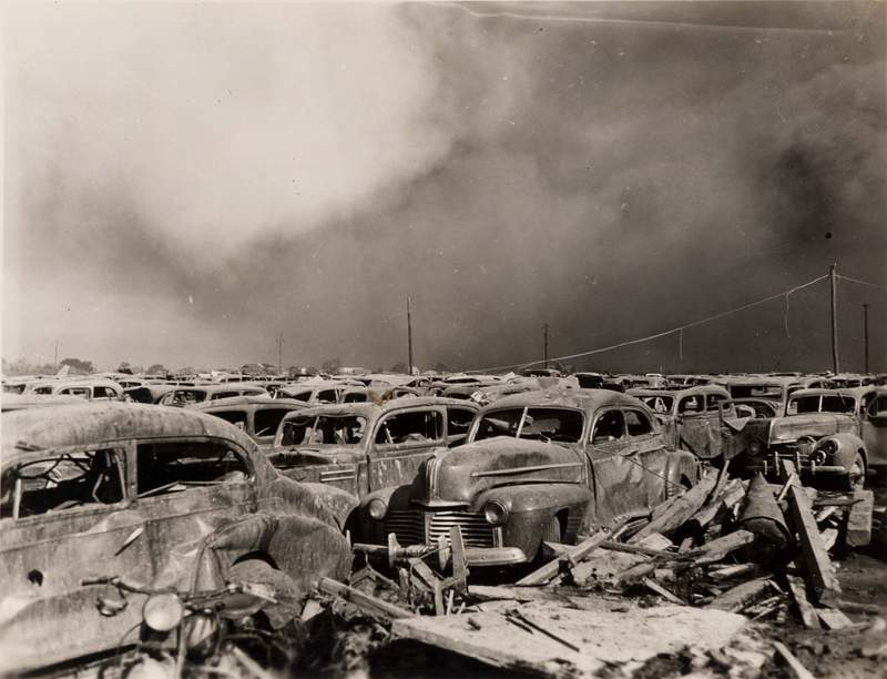 Texas City explosion in 1947 (Courtesy of Special Collections, University of Houston Libraries)
