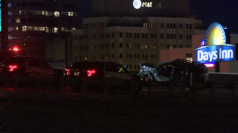 Man killed in crash on Highway 281 downtown, police say