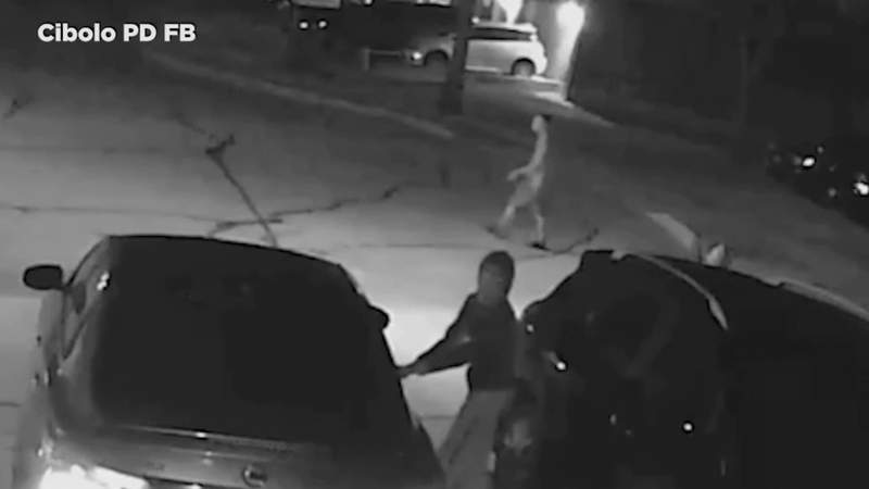 Cibolo police asking the public for help in identifying car burglary suspects