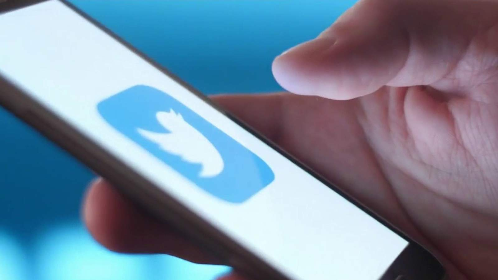 <b>Twitter</b> looking into paid subscription feature for accounts users really like thumbnail