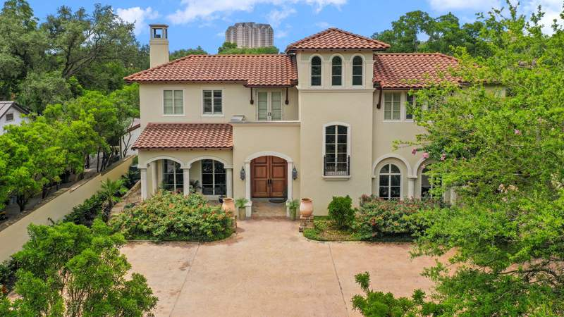 Ogle this 9,886 quadrate  ft  Terrell Hills location  connected  merchantability  for $3.3 million