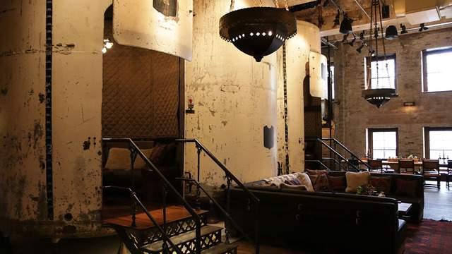Sternewirth bar area at Hotel Emma.