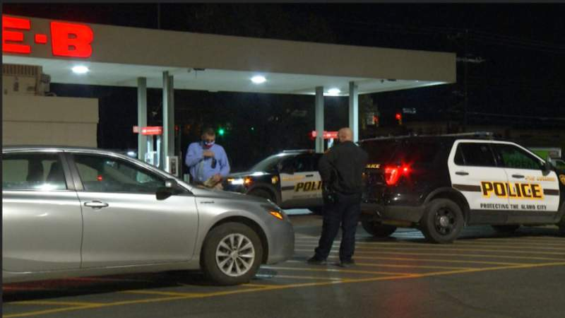 SAPD looking for suspect involved in shooting during attempted robbery