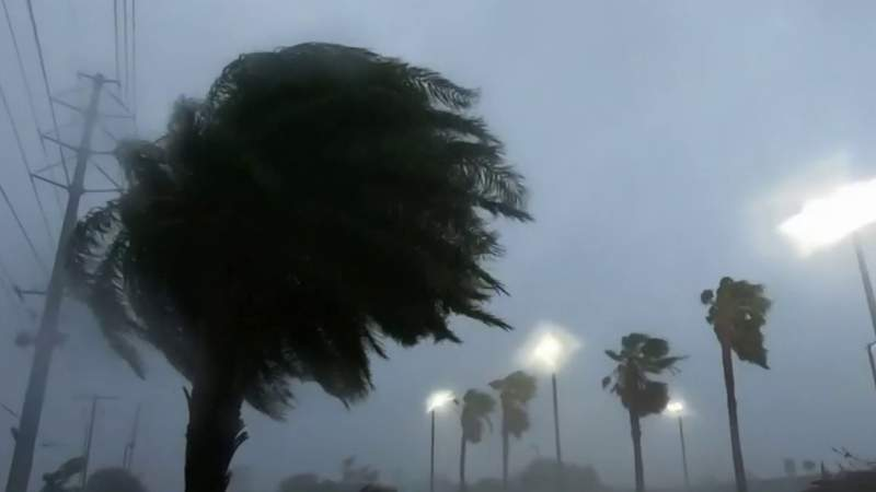 700,000 homes, businesses without power after hurricane hits Gulf Coast