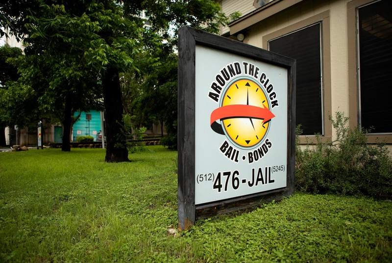 Around the Clock Bail Bonds on 10th St. and Nueces in Austin in 2019. Texas lawmakers are working on bills that could alter the way criminal defendants can be released from jail before trial. (Credit: Miguel Gutierrez Jr./The Texas Tribune)