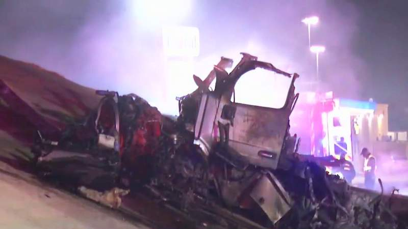 18-wheeler flies off overpass on South Side, killing driver