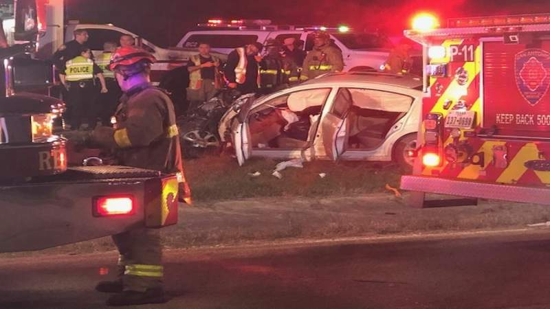 SAPD: 4 drivers taken to hospital after 4-vehicle crash on city's South Side
