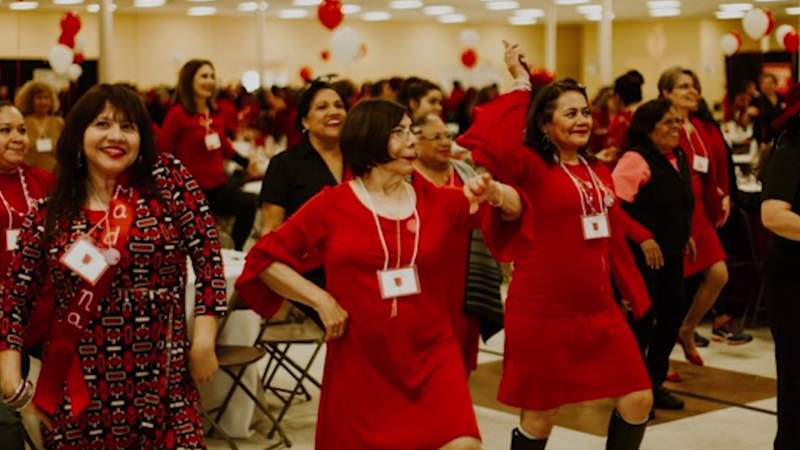 Vestido Rojo Conference celebrates 15 years of helping women learn about heart health