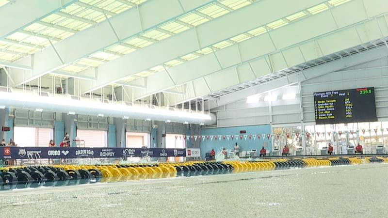 Swimmers compete in the 400 meter Freestyle at Bill Walker Pool in the U.S. Open on Nov. 13.