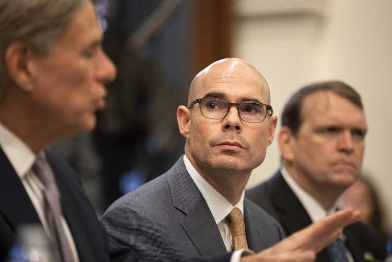 Dennis Bonnen, outgoing speaker of the Texas House, is experiencing mild coronavirus symptoms, he said Sunday on Facebook. His wife, Kim Bonnen, has also tested positive. (Credit: Miguel Gutierrez Jr./The Texas Tribune)