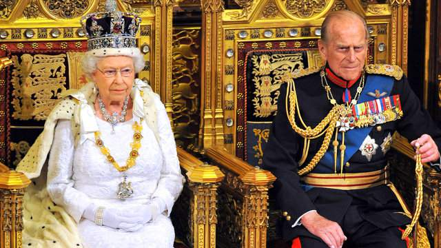 Queen Elizabeth II sits with Prince Philip, Duke of Edinburgh as she delivers her speech during the State Opening of Parliament in the House of Lords at the Palace of Westminster on June 4, 2014 in London, England. (Photo by Ray Collins - WPA Pool/Getty Images)