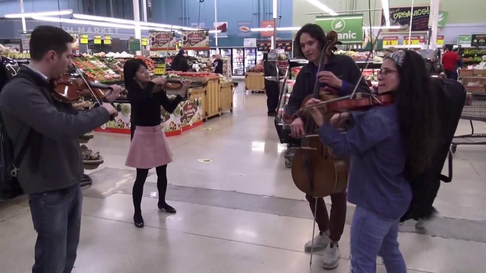 Classical Music Institute flash mob surprises North Side H-E-B shoppers