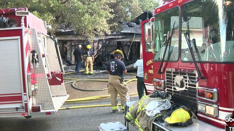 Residents concerned about poor radio communication between crews battling fire in Fair Oaks Ranch