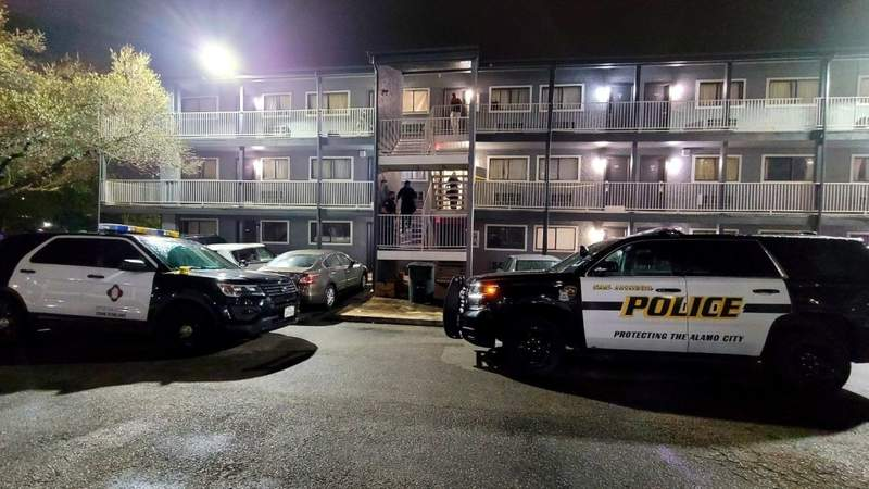 Police seek suspects, clues in deadly motel shooting on NW Side