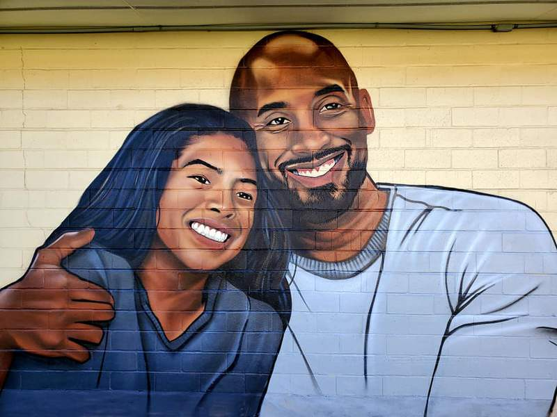 Mural of Kobe Bryant (right) and his daughter Gianna Bryant (left) by artist Mike Arguello. (Credit: Mike Arguello)