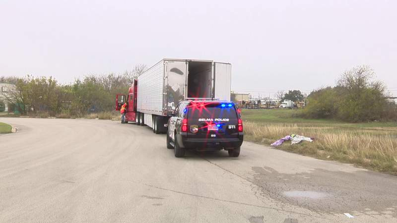 GF Default - 10 undocumented immigrants found in cab of 18-wheeler in Selma, police say