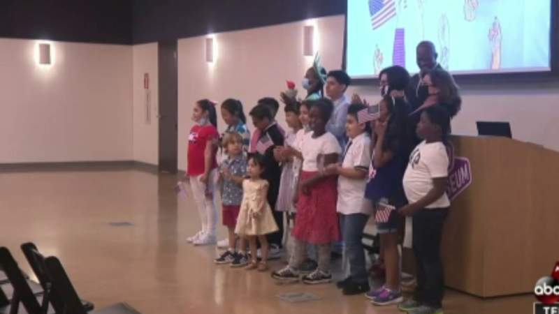 Seventeen children become US citizens in time for Independence Day