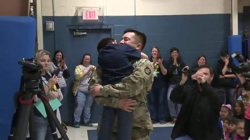 NISD students surprised by Army father at elementary school rally