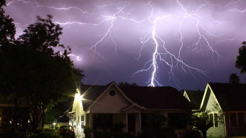 Pictures, video show lightning and damage from storms in San Antonio, surrounding areas