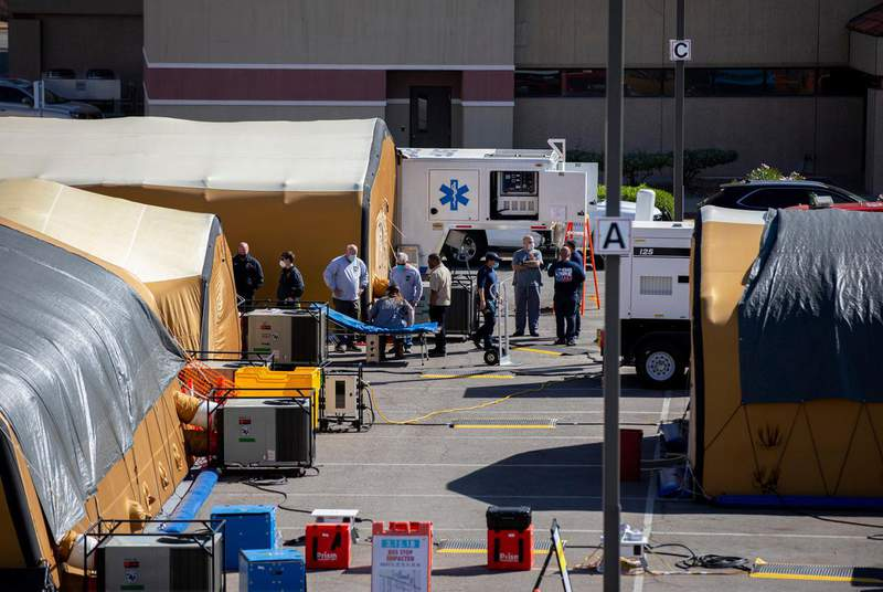 Medical tents are set up outside the University Medical Center of El Paso. (Credit: Ivan Pierre Aguirre for The Texas Tribune)