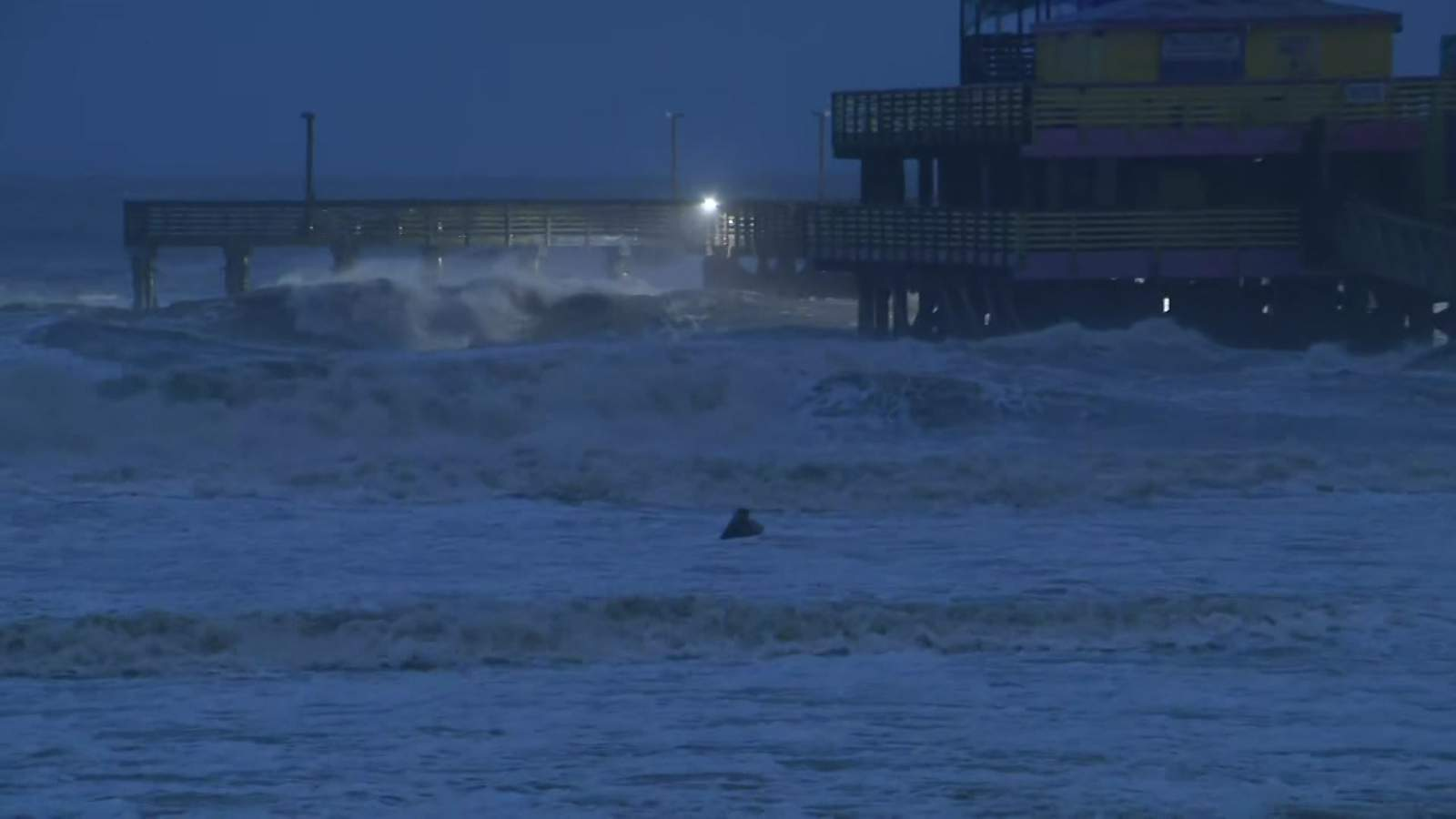 Portion of fishing pier in Galveston completely detaches as Tropical Storm Beta approaches Texas