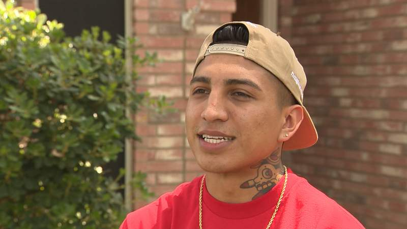 World champion boxer Mario Barrios returns to San Antonio after boxing events stop during coronavirus outbreak.