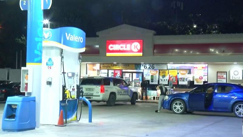 San Antonio and Balcones Heights police are investigating a string of overnight robberies that happened at convenience stores on the Northwest Side.