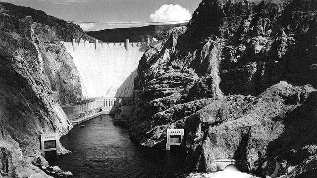1936: Generators at Boulder Dam (later renamed to Hoover Dam) begin to generate electricity from the Colorado River and transmit it 266 miles to Los Angeles.