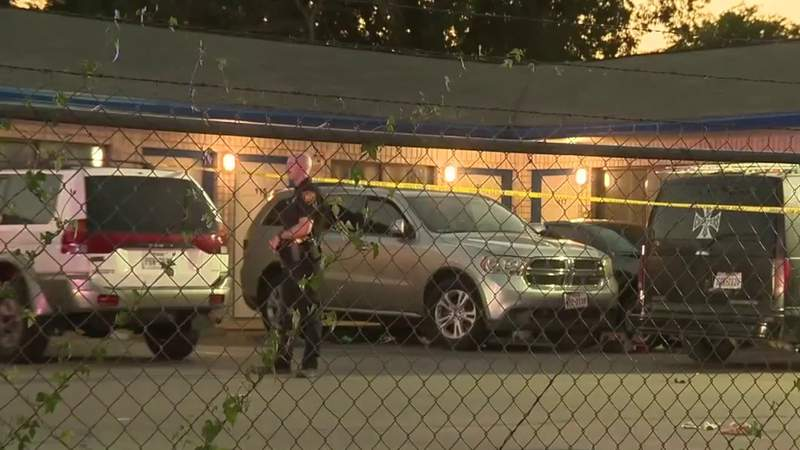 Police searching for person who shot man at West Side motel