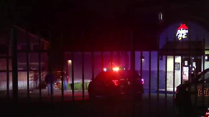 Northeast Side restaurant manager beaten, shot during late-night robbery