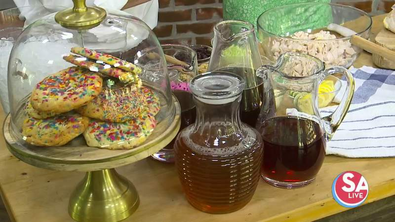 This Thirsty Thursday, we're sampling some of this deli's iced tea, sandwiches & cookies | SA Live | KSAT 12