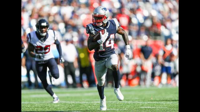FOXBORO, MA - SEPTEMBER 24:  Brandin Cooks #14 of the New England Patriots carries the ball for a touchdown during the third quarter of a game against the Houston Texans at Gillette Stadium on September 24, 2017 in Foxboro, Massachusetts.  (Photo by Maddie Meyer/Getty Images)