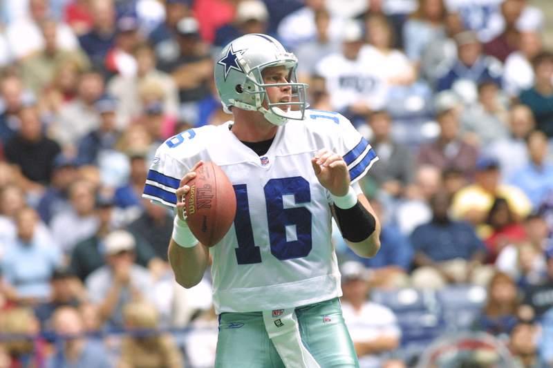 18 Nov 2001: Quarterback Ryan Leaf #16 of the Dallas Cowboys throws against the Philadelphia Eagles  at Texas Stadium in Irving, TX.  The Eagles defeat the Cowboys 36-3. DIGITAL IMAGE. Mandatory Credit: Ronald Martinez/ALLSPORT