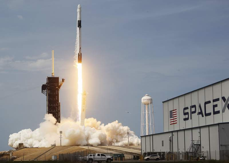 CAPE CANAVERAL, FLORIDA - MAY 30: The SpaceX Falcon 9 rocket with the manned Crew Dragon spacecraft attached takes off from launch pad 39A at the Kennedy Space Center on May 30, 2020 in Cape Canaveral, Florida. NASA astronauts Bob Behnken and Doug Hurley lifted off today on an inaugural flight and will be the first people since the end of the Space Shuttle program in 2011 to be launched into space from the United States. (Photo by Joe Raedle/Getty Images)
