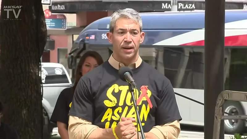 Mayor Ron Nirenberg at anti-hate rally
