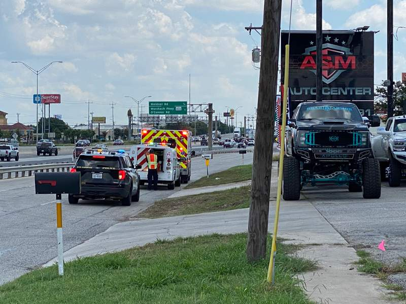 SAPD and SAFD at the scene of a fire in the 10600 block of Interstate 35 N. on Monday, June 14.