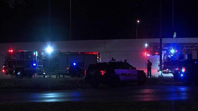 1 dead, 4 hospitalized after overnight shooting near UTSA, police say