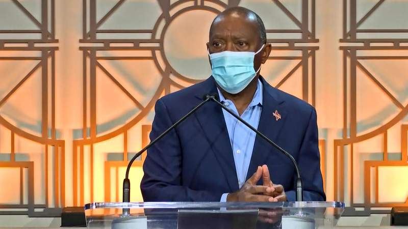 Houston Mayor Sylvester Turner speaks during a news conference at Houston City Hall on May 29, 2020.