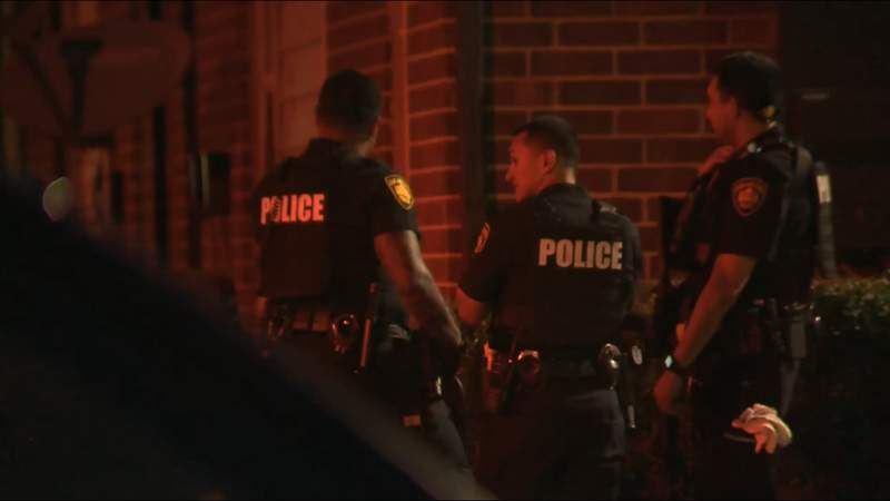Standoff at West Side apartment complex ends, San Antonio police say