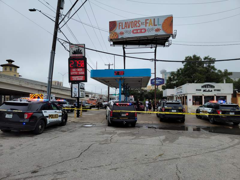 San Antonio police respond to a shooting in the downtown area on Thursday, Oct. 14, 2021.