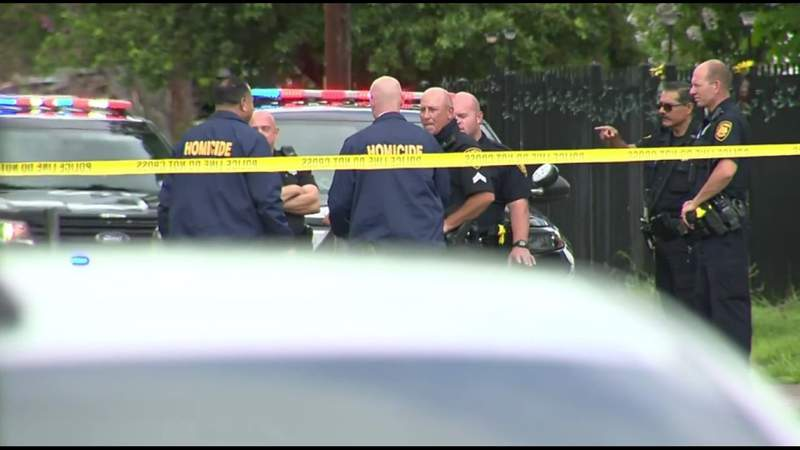 Man critically wounded in shooting on South Side