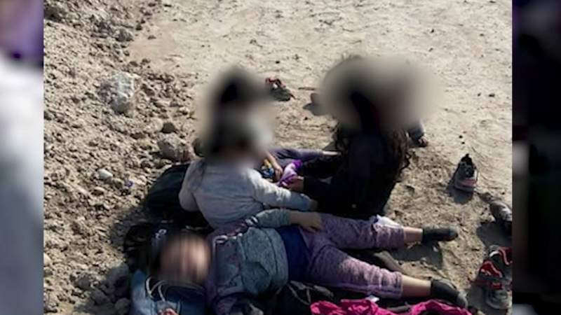 Farmer finds 5 young girls outside property on South Texas border