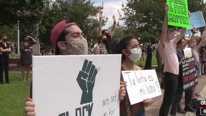 Peaceful protest held in New Braunfels in wake of George Floyd's death