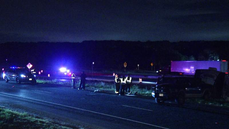 Driver of pickup truck fatally shot while traveling on Loop 1604, police say