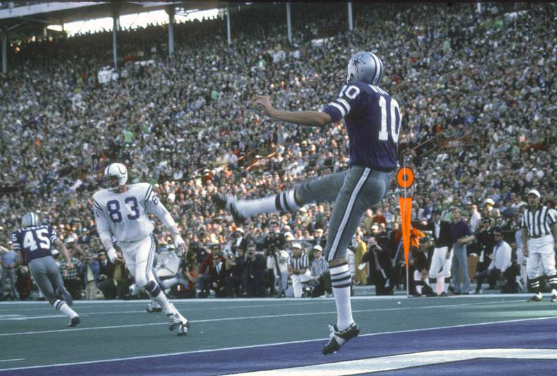 FILE - Ron Widby #10 of the Dallas Cowboys punts the ball against the Baltimore Colts during Super Bowl V on January 17, 1971 at the Orange Bowl in Miami, Florida. The Colts won the Super Bowl 16-13. (Photo by Focus on Sport/Getty Images)